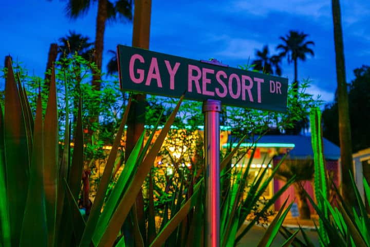 gay-resort